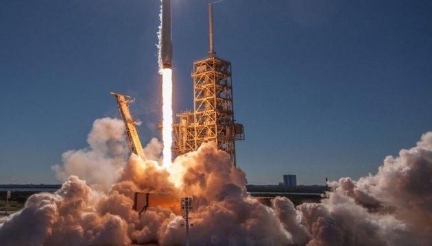 SpaceX вывела на орбиту спутник для поиска экзопланет