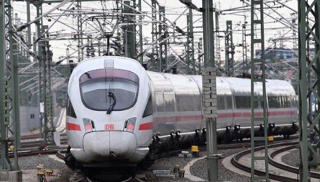 25 років і €10 мільярдів: у Німеччині запустили суперпотяг
