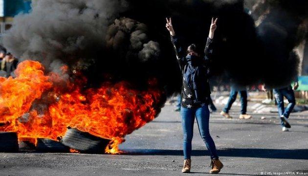 Израильские силовики застрелили троих палестинцев во время протестов на границе с Сектором Газа