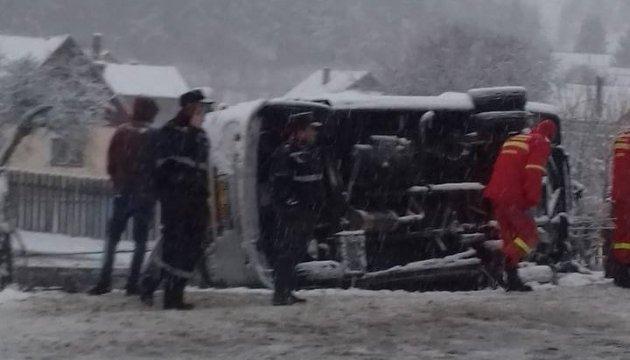 У Румунії перекинувся мікроавтобус, є загиблі