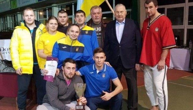 Украинцы завоевали 17 медалей Кубка мира по борьбе на поясах (алыш)