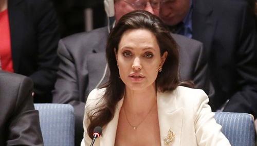 Jens Stoltenberg et Angelina Jolie ont évoqué l'Ukraine dans leur article sur la violence dans  la guerre