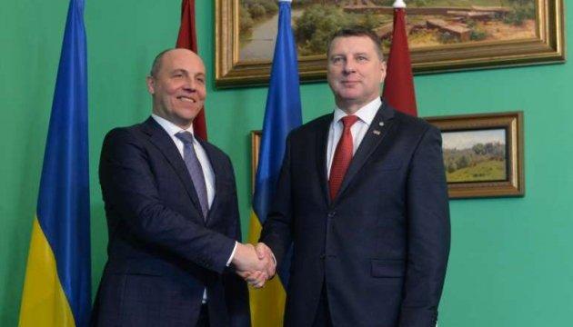 Україна розраховує на поглиблення співробітництва з Латвією - Парубій