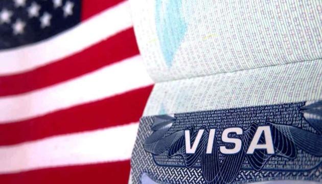 Штаты аннулировали более 600 виз для чиновников режима Мадуро - Госдеп