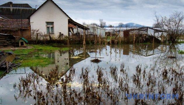 Hochwasser in Transkarpatien: Autostraßen und Hunderte Häuser überflutet