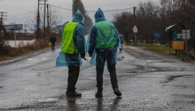Паводок на Закарпатті: поліція посилено патрулює евакуйоване село
