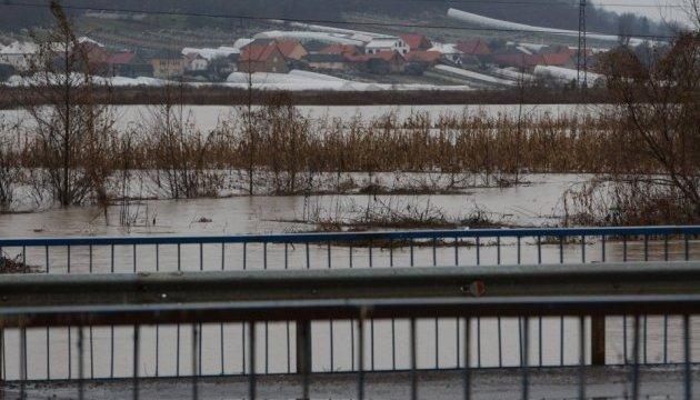 Рятувальники попереджають про підйом рівнів води на річках України
