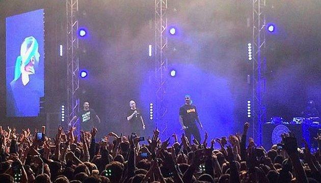 Концерт Oxxxymiron в Киеве: рэпер Dizaster выступил в желто-голубой бандане