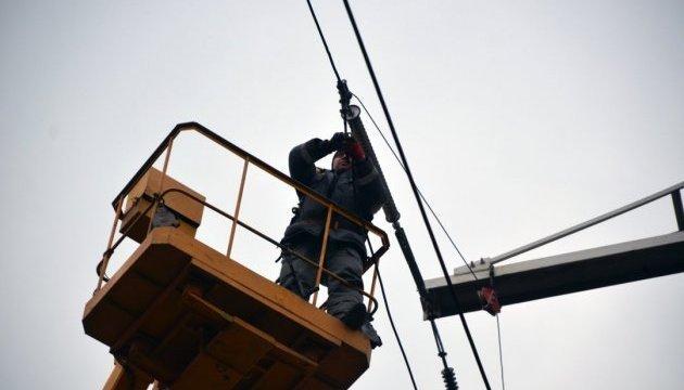 Непогода обесточила 50 населенных пунктов во Львовской и Закарпатской областях