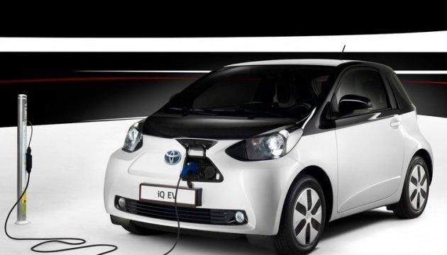 Тойота инвестирует в развитие аккумуляторов для электрокаров $13 миллиардов