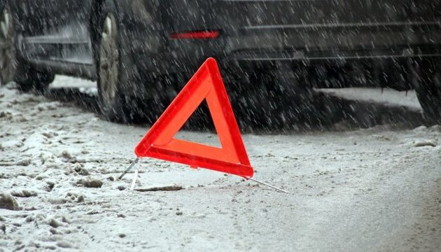 Three Ukrainians killed, six injured in road accident near Kursk