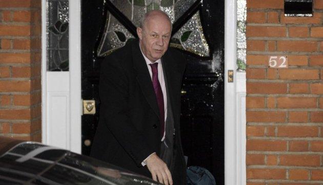 Перший міністр Британії пішов у відставку після скандалу