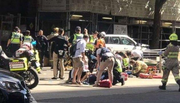 УМельбурні автомобіль в'їхав унатовп, щонайменше 13 травмованих