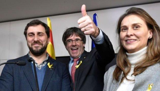 Іспанський суд відмовився видати ордер на арешт Пучдемона