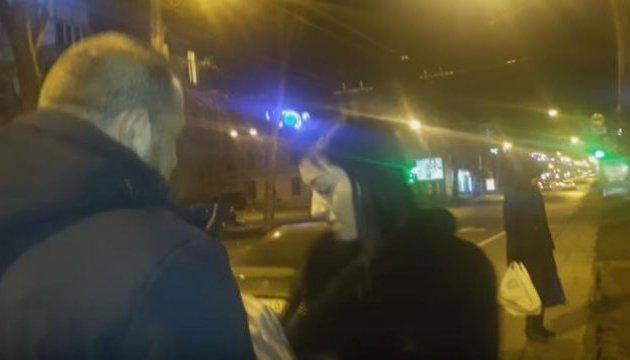 Пьяная сотрудница одесской мэрии везла в машине маленького сына