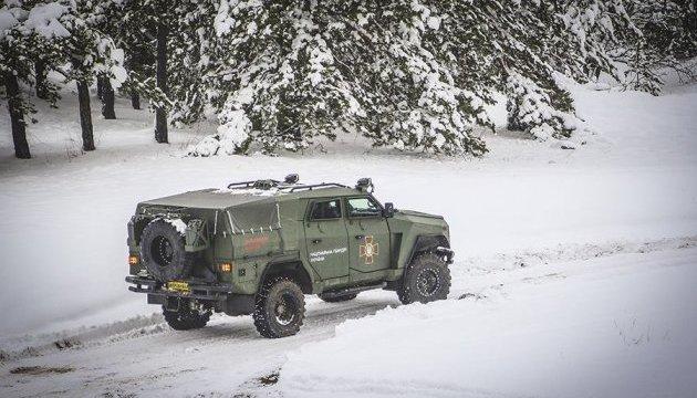 "Нацгвардия провела тест-драйв нового бронеавтомобиля ""Варта-Новатор"""