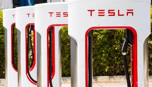 Tesla хоче побудувати в Україні мережу швидких зарядок