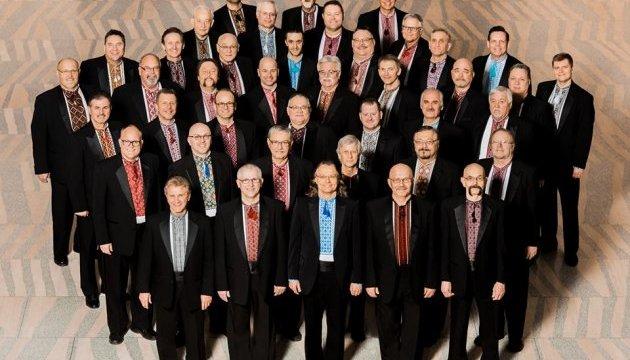 """""""Радуйся, земле"""": чоловічий хор заспівав колядку у канадському торговельному центрі"""