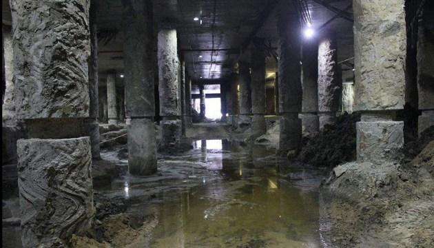 В Інституті археології заявили, що роботи на Поштовій - небезпечні