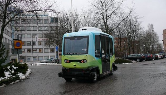 В Стокгольме запустили первые беспилотные пассажирские автобусы