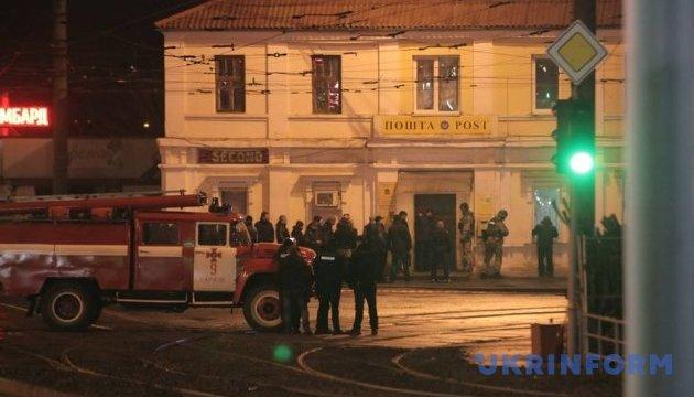 Захоплення Укрпошти у Харкові: суд сьогодні обиратиме запобіжний захід нападнику