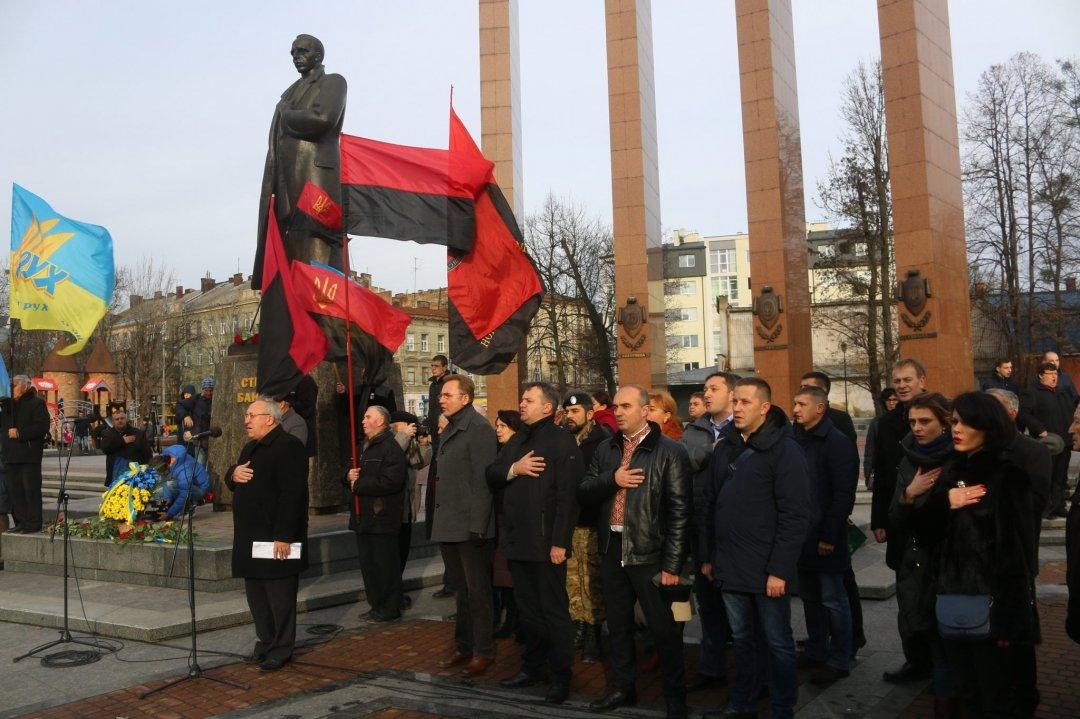 Марши вчесть Бандеры: вгородах активизировались копы ивоенные