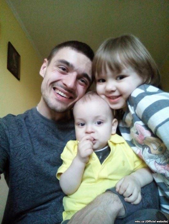 Микола Шурута з родиною