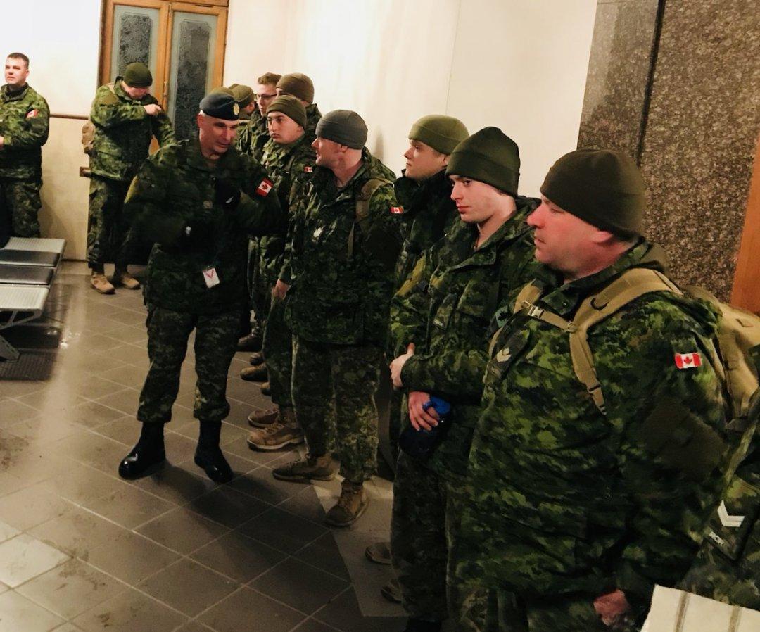 ВУкраїну прибули 50 канадських військових