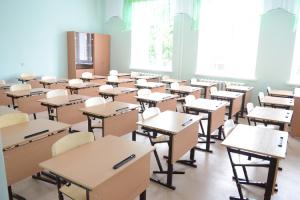 Майже половина громад на Харківщині продовжила осінні канікули в школах