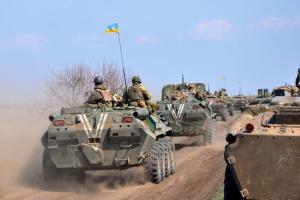 Танкові екіпажі ЗСУ відпрацювали маневри на адмінмежі з окупованим Кримом