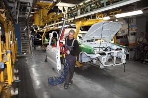 Автовиробництво в Україні з початку року скоротилося на 40%