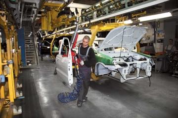 Produkcja samochodów na Ukrainie podwoiła się w lutym - eksperci