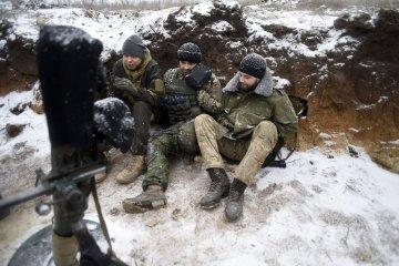 ATO: Militantes realizan 4 ataques contra las posiciones del ejército ucraniano