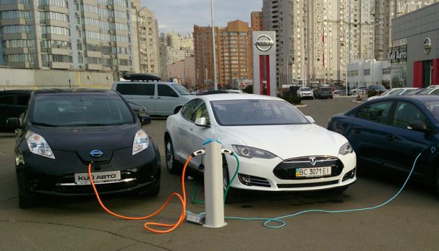 В Україні зростає частка нових придбаних електрокарів – експерти