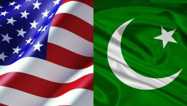 США скорочують допомогу Пакистану на чверть мільярда