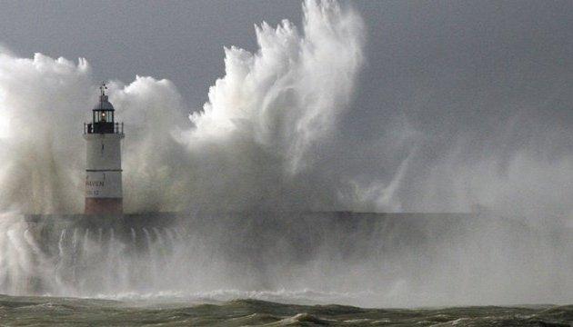 """Тропический шторм """"Майкл"""" приближается к берегам Флориды"""