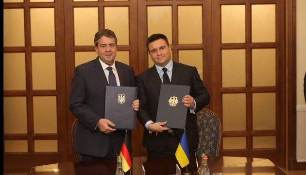 Ukraine und Deutschland unterzeichnen Abkommen über Beschäftigung der Familienangehörigen von Diplomaten