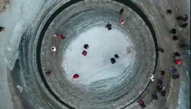 Мистический ледяной диск обнаружили в Поднебесной
