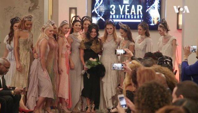 Украинский дизайнер покорила американцев коллекцией платьев без единого шва