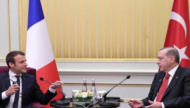 Макрон з Ердоганом обговорили розбіжності у баченні індивідуальних свобод