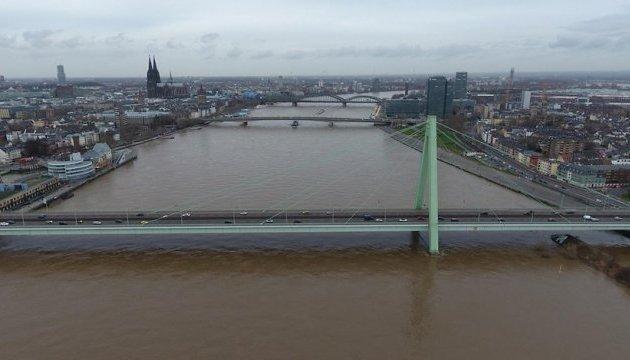 Вода у Рейні піднялася до небезпечного рівня