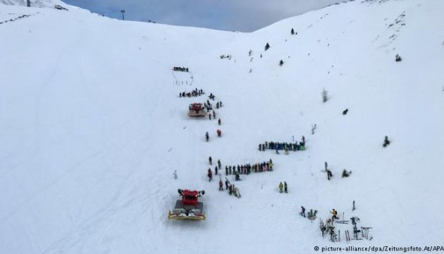 В Австрії від сходження лавини загинули двоє лижників