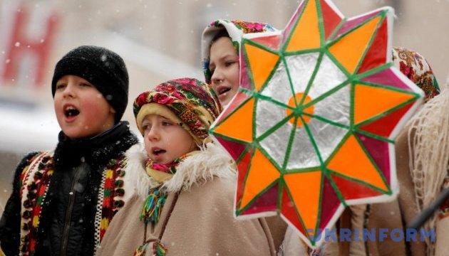 Уличные вертепы и музыканты: Ривне устроит рождественскую феерию
