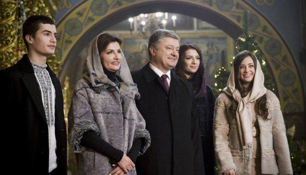 Weihnachtsansprache: Poroschenko ruft auf, für Verteidiger des Vaterlandes zu beten