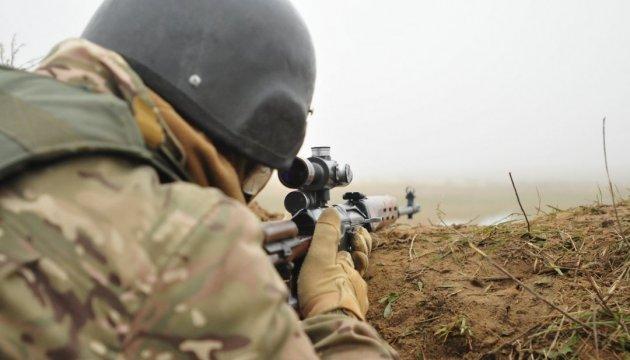 Terroristen greifen 59 Mal Armeestellungen im Donbass an