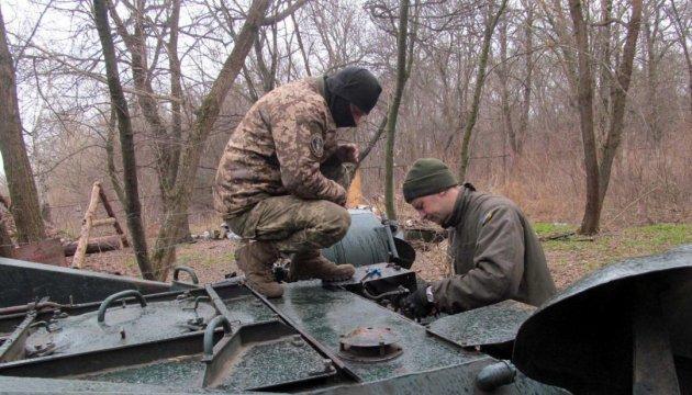 Donbass: les tirs ennemis ne cessent pas, 6 attaques en 24 heures