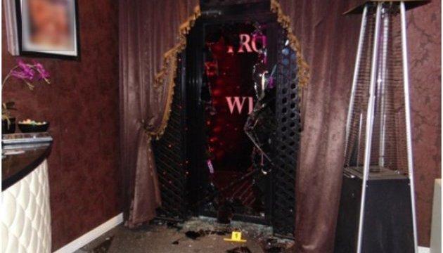 Стрельба в стрип-баре: полиция Киева выясняет, кто так рвался в заведение