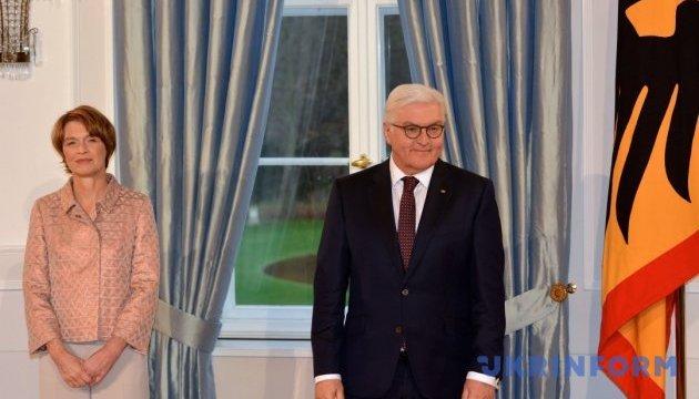 Штайнмайер в Киеве встретится с Порошенко и Гройсманом