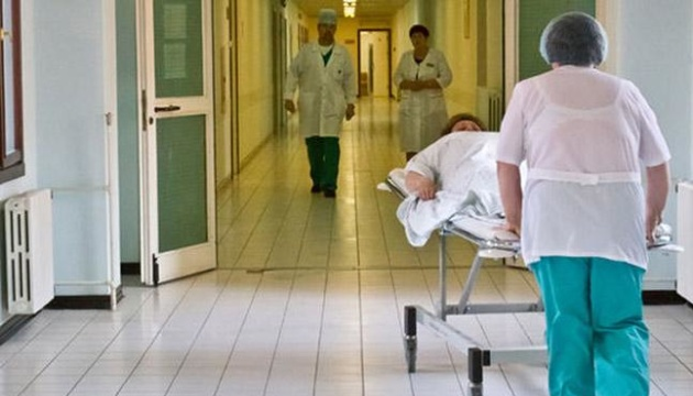 Медреформа: Шмигаль обіцяє не закривати лікарні
