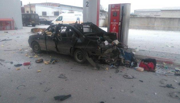 В Шостке взорвалось авто на заправке, трое пострадавших